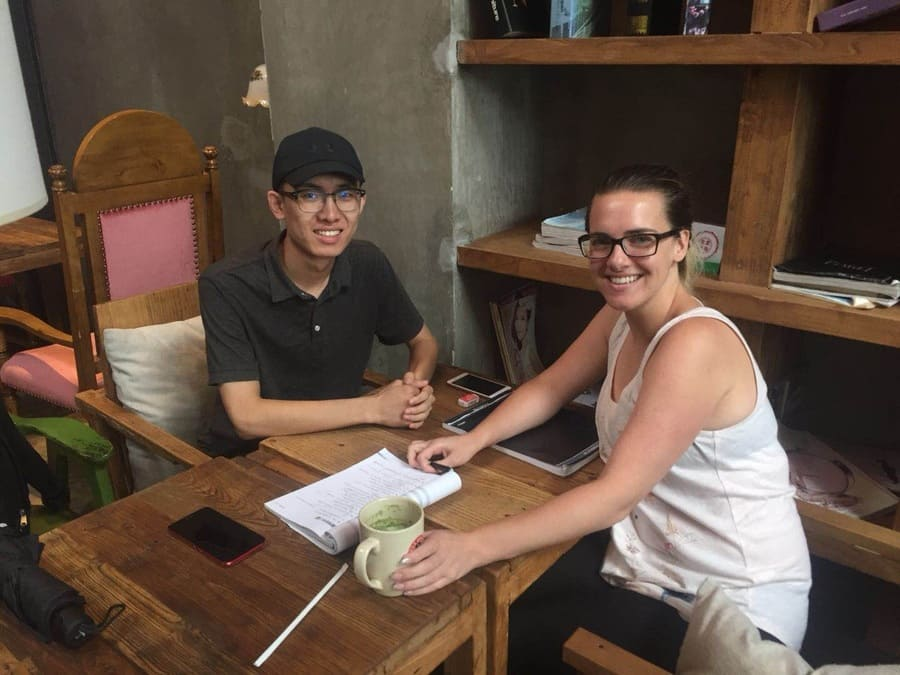 Private Chinese class in a coffee shop in Chengde