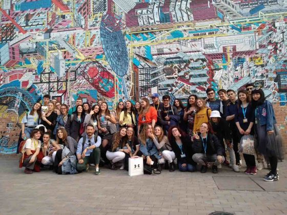 Italy meets China - Our students from Ancona, on their last day in Beijing, at the 798 Art District